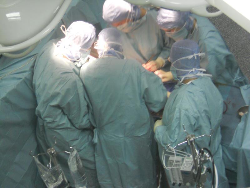 法国巴黎第六大学心脏病中心心脏病手术现场观摩
